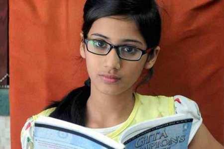 Indian Muslim girl from Mumbai wins Bhagwad Gita competition