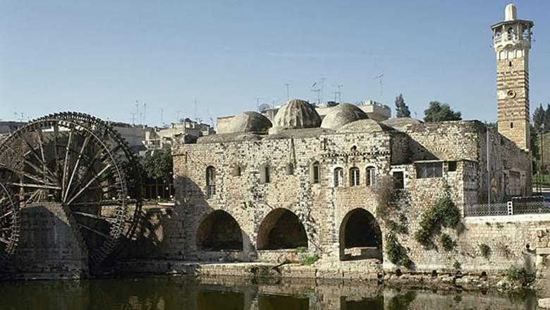 Daesh destroys historic mosque in Mosul Iraq