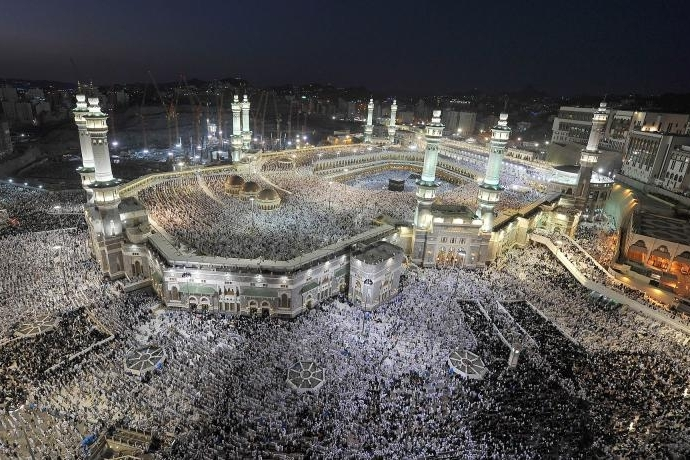Over 2 million Muslims pray at Grand Mosque on 27th night of Ramdan