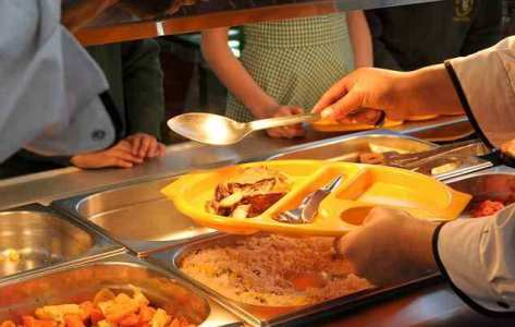 Danish cooking school forces Muslim student to taste Pork