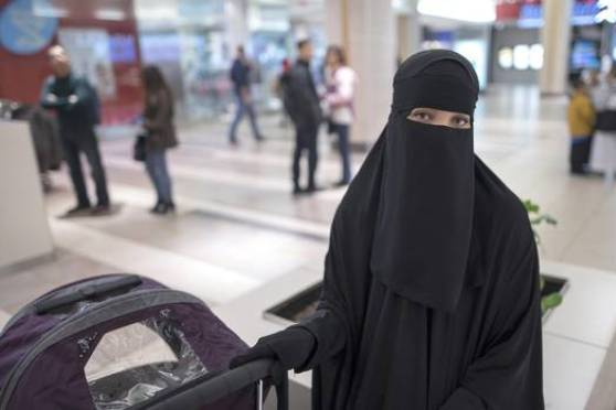 Canada government ends legal effort to ban niqab
