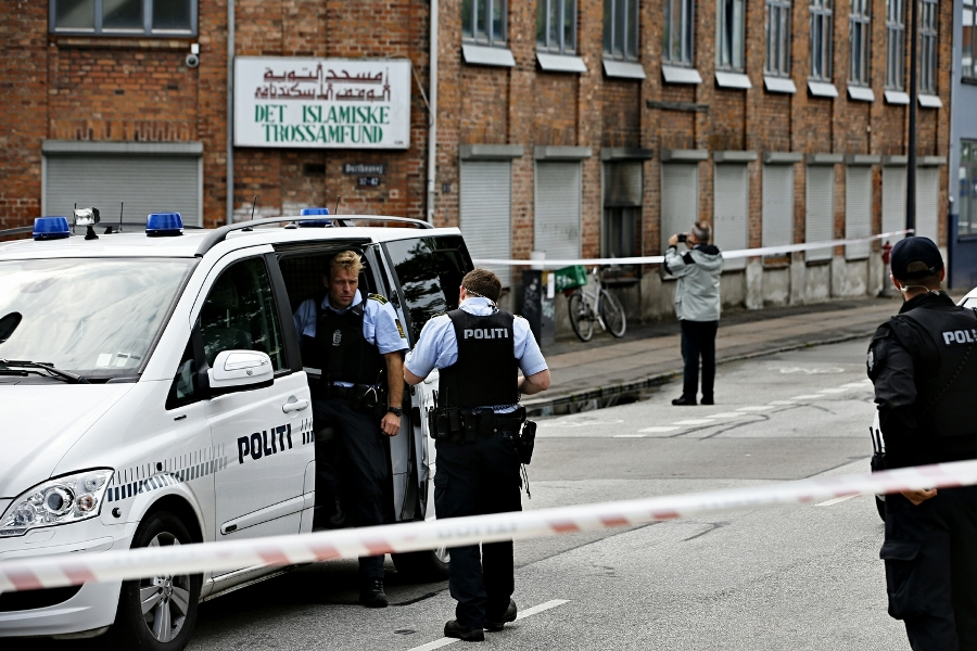 Danish Police arrested man who attempted to burn down Mosque while 40 people inside