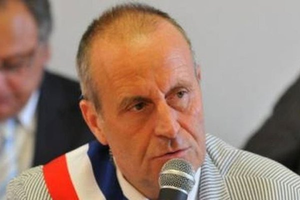 French mayor claims Islam will be banned from France