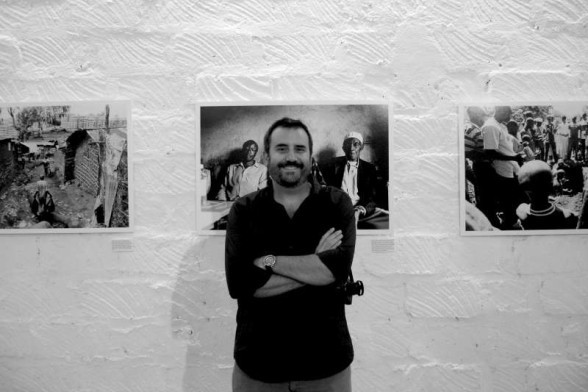 Award-winning photographer holds exhibition depicting Rohingya Muslims suffering