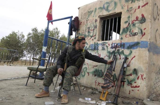 Kurds call for help to fight ISIL in Syria