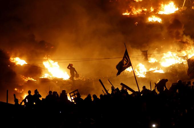 Ukraine says dozens dead in refugee attack