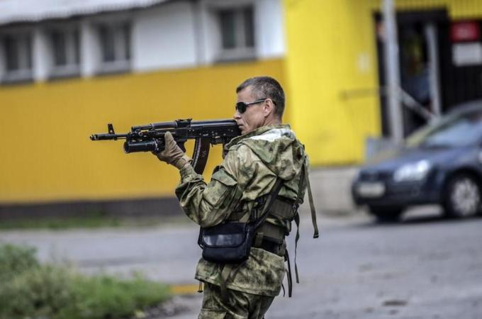 Ukraine ceasefire with rebels takes hold