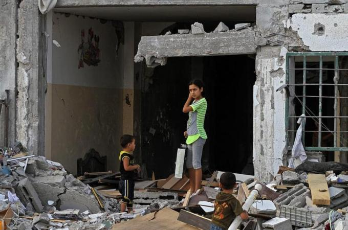 Gaza truce extended by 24 hours
