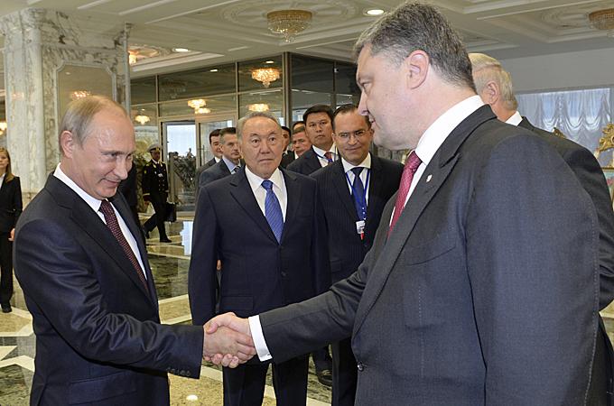 Ukraine seizes Russian troops as leaders meet