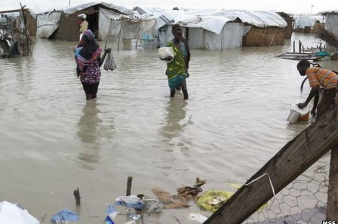 Sewage swamps S Sudan refugees in UN camp