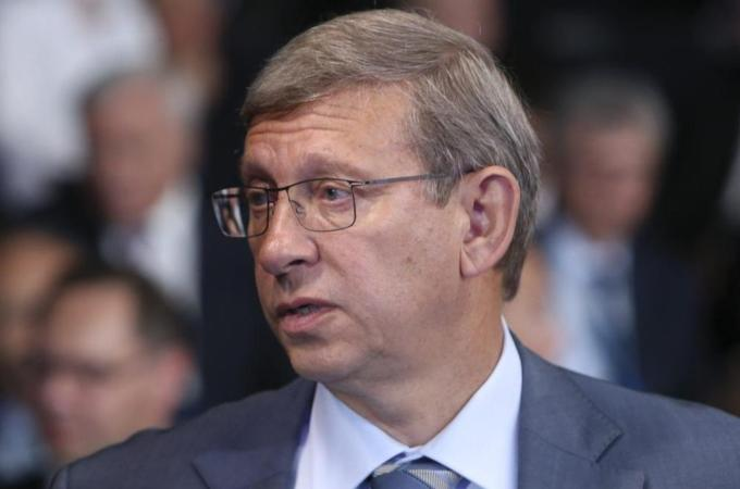 Russian billionaire placed under house arrest