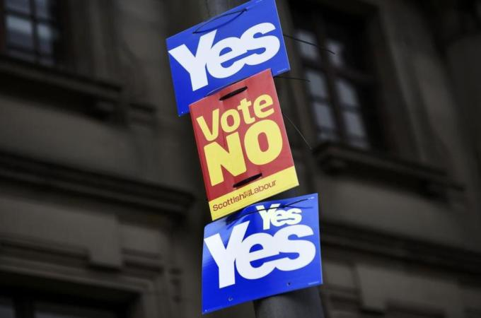 Scotland hours away from historic vote