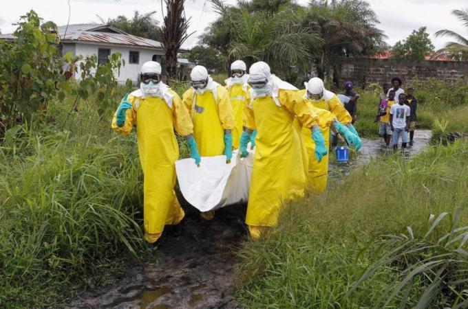 Liberia health chief quarantined over Ebola