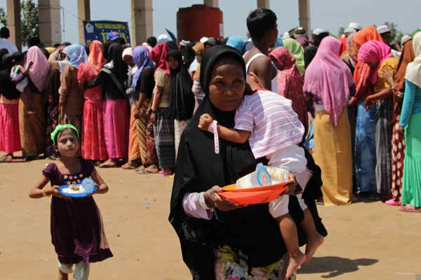 Rohingya and homeless locals observe Ramadan in Indonesian shelters