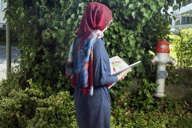 Swiss school tells Muslim student to take off hijab in class