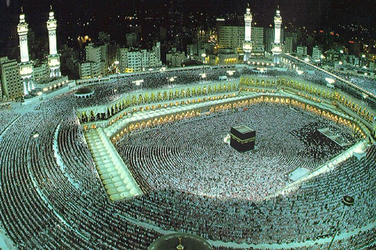 Eight million Muslims visit Makkah on first 10 days of Ramadan