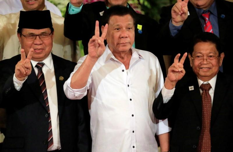 philippine-leader-to-expedite-bill-for-self-rule-in-muslim-region
