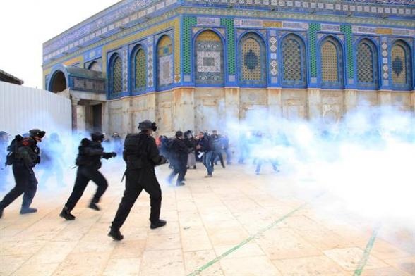 Israeli forces storm Al-Aqsa Mosque and attacked Muslim worshippers