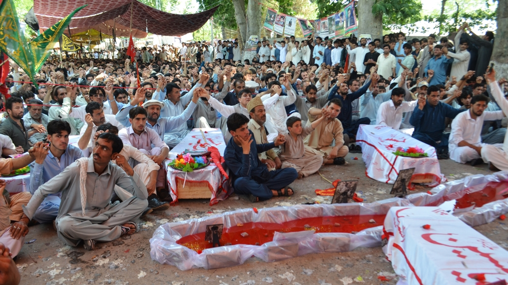 Pakistan blast victims end sit-in as demands met