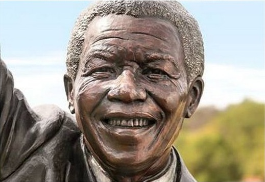 Six-meter South African Leader Mandela statue unveiled in Palestine