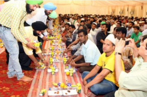 Sikh temple holds iftar for Muslims