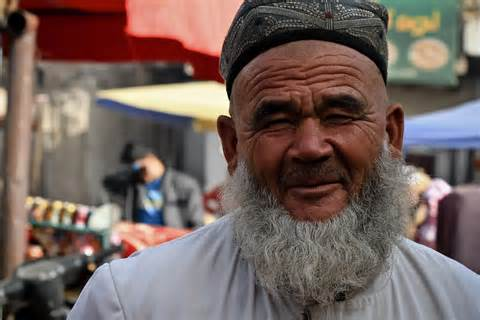 China arrested Uyghurs Muslim with Crescent styled beards for religious extremis