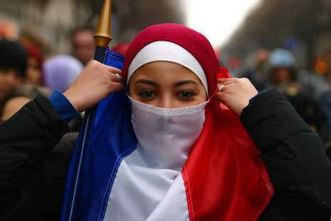 netherlands-approves-ban-on-muslim-face-veil