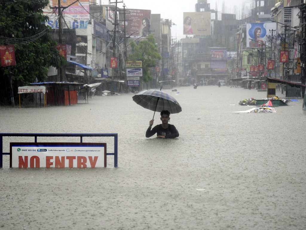 [death-toll-from-south-asia-flooding-tops-1-000]