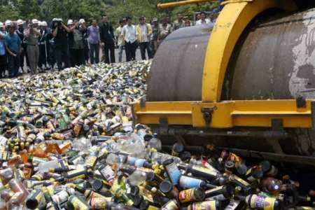 Indonesian Islamic parties propose law to ban alcohol