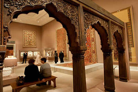 A Malaysian foundation hopes Islamic art collection in UK will present peaceful