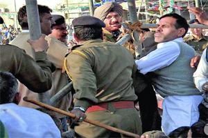 Man thrown shoe to CM Haryana Bhupinder Singh Hooda
