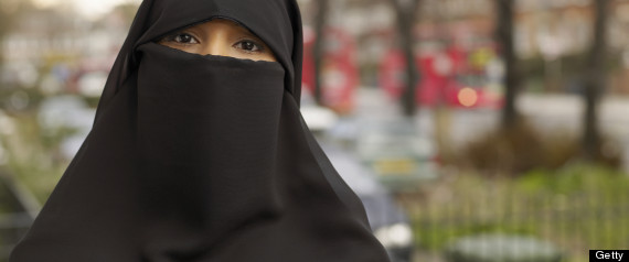 Judge order Muslim woman to remove burqa during court appearance then bans her f